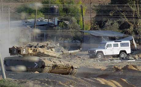 Den israelske mliitæraksjonen på Gazastripa held fram, og dødstala stig. (Foto: AFP/Scanpix)