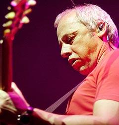 Mark Knopfler måtte avlyse Oslo-konserten for to år siden. Nå kommer han tilbake. Foto: Heiko Junge / SCANPIX.