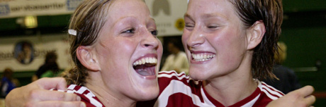 Gøril og Marte Snorroeggen ble toppscorere med fire mål hver (Foto: Scanpix/Ørn Borgen)
