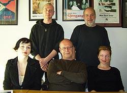 ET SAMLET TEAM: Morten Cranner, Tormod Nygaard, Gjertrud Jynge, Jan Grønli og Andrea Bræin (Foto: NRK Radioteatret).