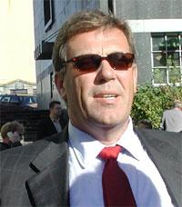 - IKKE KOMPETENT: Tidligere konsernsjef Jens P. Heyerdal mener styret, med Stein Erik Hagen (bildet), ikke er kompetente til å lede Orkla. (Foto: Scanpix)