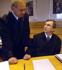 Statsadvokat Helge J. Kaasbøll (til høyre) og forsvarer, advokat Terje Engebretsen. Foto: Gorm Kallestad / SCANPIX
