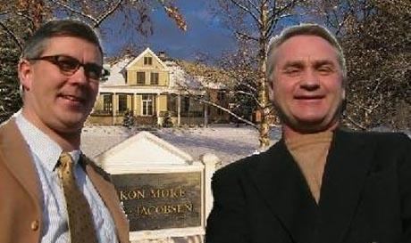 Stig O. Jacobsen (tv) og Erik Berg føler de er gjort til syndebukker i fellesbank-striden. Nå slår de tilbake.