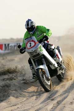 Pål Anders Ullevålseter i ørkenen i Dubai. (Foto: Team Ullevålseter)