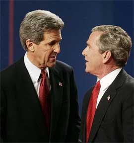 SLÅSS: Bush og Kerry slåss om valgmannsstemmene i viktige stater. Andre stater er ikke så viktige. (Foto:REUTERS/Jim Young)