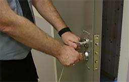 Stadig flere kriminelle slipper fengsel til fordel for samfunnstraff. (Foto:NRK)
