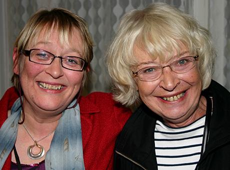 Beste programleder og hederspris: P1s Kari Sørbø og P4s Gerd Johansen. (Foto: Jon-Annar Fordal)