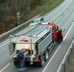 Med det nye saltet kan man holde veien fri for snø helt ned til 15 minusgrader. (Foto: NRK)