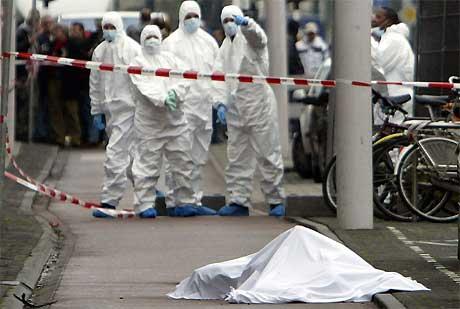 Theo van Gogh ble myrdet på gaten i Amsterdam 2. november i fjor. Foto: AFP