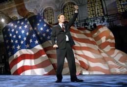 Visepresidentkandidat John Edwards sier at kampen ikke er tapt før alle stemmene er telt. (Foto: J.Bourg, Reuters)