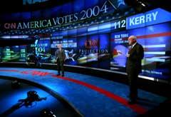 I CNN-studio var de forsiktige med å kåre en vinner. (Foto: AFP/Scanpix)