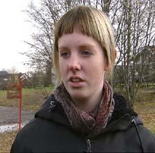 Jill Nilsen er frustrert over at skoler og ungdomsklubber kan bli lagt ned. Foto: Harald Gundersen/NRK Hedmark og Oppland