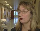 Leger og sjukepleiere som skal arbeide for konkurrerende virksomheter må nå søke Astrid Eidsvik om lov.