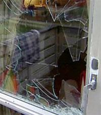 Tyven knuste et vindu, mens familien i huset lå og sov.