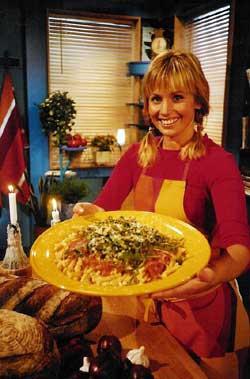 Pasta er super høstmat, og Tina vier hele kveldens program til nettopp pasta. (Foto: SVT)