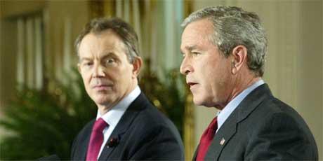 George W. Bush tok imot sin venn Tony Blair i Det hvite hus i dag. (Foto: Reuters/Scanpix)