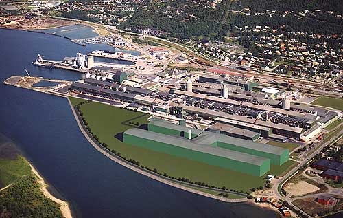 Slik blir den nye anodefabrikken liggende (grønt område) i forhold til aluminiumsverket. Foto/grafikk: Elkem