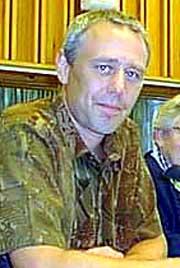Moksness har reist krav mot varaordfører i Halden, Eirik Milde (bildet), som tidligere var gruppeleder for Høyre. Foto: NRK.