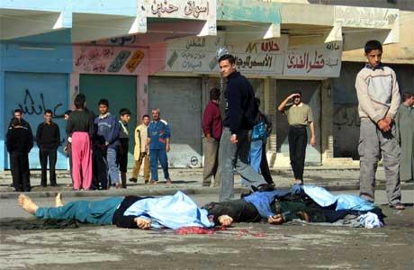 En rekke selvmordsangrep er rettet mot irakiske politimenn, som trenes av USA. (Foto: AP/Scanpix)