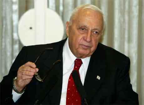 Regjeringskollegaer skuldar Ariel Sharon for å ha bllitt ein mjuk mann. (Foto: AFP/Scanpix)