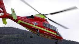 Dette helikopteret styrtet i Vågåvatnet søndag ettermiddag. (Foto: Arve Danielsen, Fjuken/NRK)