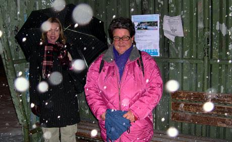 Nina Sandvik (til høyre i bildet) syns det er stas å ta Kjelsåstrikken igjen. Foto: Eirik Flugstad/ NRK