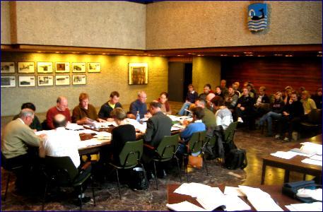 Mange tilhørere spesielt fra Sekken og Bolsøya fulgte budsjettbehandlinga i formannskapet. Foto: Gunnar Sandvik