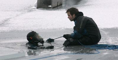 Et kvinnelik er hentet opp fra Mjøsa. (Foto: Morten F. Holm/SCANPIX)