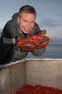 Programleder Kjartan Trana med litt av dagens fangst