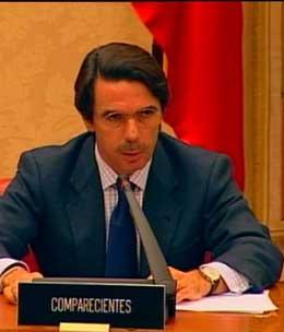 José María Aznar i granskningskommisjonen i dag. (Foto: TVE)