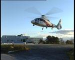 Både klatrarar og helikopter blei sett inn i bergina (Foto: Roar Strøm, NRK)