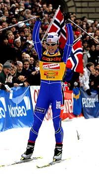 Marit Bjørgen vinner i Bern (Foto: AFP/Frederick Florin)