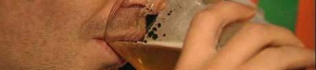 Utvalget vil ha billigere øl og vin, men dyrere rusbrus og høyere aldersgrense