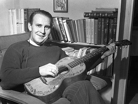 Mange kjente sanger av Alf Prøysen er å finne på den nye plata til Lars Lillo-Stenberg. Foto: NTB/Scanpix.