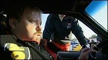 Nils er veldig nervøs før starten i Donegal-rallyet. Foto: NRK.