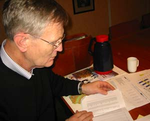 Ordfører i Vestre Toten, Stein Knutsen er ikke fornøyd med undersøkelsen. Foto: Anders Engeland/NRK)