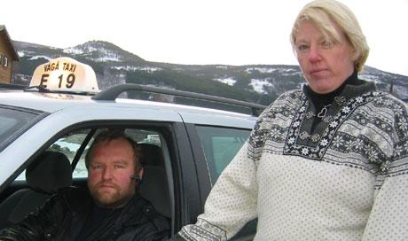Drosjesjåførene Per Joar Aabakken og Line Bjørnstad er engstelige når de frakter pasienter til sykehus. (Foto:Synnøve Vang)