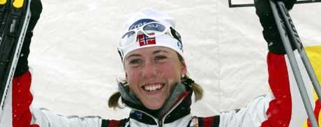 Kristin Størmer Steira jubler over sin første pallplass. (Foto: AFP/Scanpix)