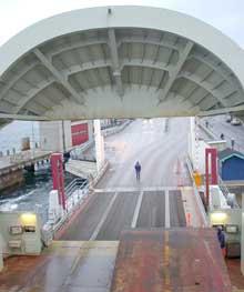 To av ferjene til Bastø Fosen er tatt ut av drift på grunn av streiken (foto: Rainer Prang, NRK).