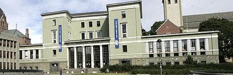 Deichmanske hovedbibliotek på Hammersborg kan bli solgt. Foto: Scanpix