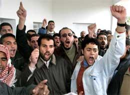 Fatah har tatt de fleste stemmene, men også Hamas-tilhengere kan juble (Scanpix/AFP)