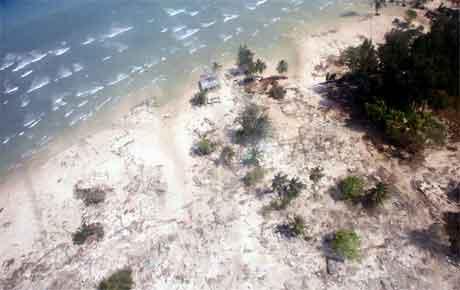 Øygruppa Andaman og Nicobar er svært hardt ramma av flodbølgja. (Foto: Reuters/Scanpix)
