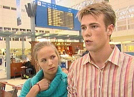 Sunniva Slettebakken (18) og kjæresten Gisle Helleseth (21)kom tilbake til Bergen i formiddag. Foto: Dag Harald Kvammen Andersen/ NRK.