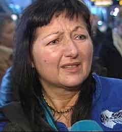 - Eg takkar mannen min for livet, seier Anne Kjos Wenjum. (NRK-foto)