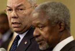 FNs generalsekretær Kofi Annan og USAs utenriksminister Colin Powell drar torsdag på giverlandsmøte i Indonesia.(Foto: AP Photo)