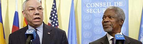 ENORM GIVERGLEDE: På én uke har FN mottatt 1,5 milliarder dollar. På bildet deltar FNs generalsekretær Kofi Annan på en pressekonferanse med USAs utenriksminister Colin Powell nyttårsaften. (Foto: Stan Honda/AFP)