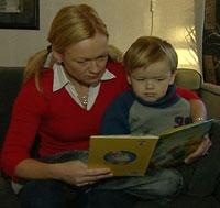 Mor, Anne Lise Finnsrud ble forbauset da hun fikk vite at sønnen sto på savnet listen. Alexander har aldri vært i Thailand.(Foto NRK)