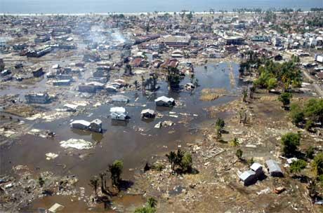 ØDELEGGELSE: Asia trenger milliarder etter flodbølgekatastrofen. Men FN frykter at pengene aldri kommer...