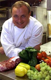 Bent Stiansen, mesterkokk og innehaver av gourmetrestauranten Statholdergaarden. Foto: Scanpix.