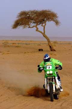Pål Anders Ullevålseter i ørkenen i Mauritania. (Foto: AFP/Scanpix)